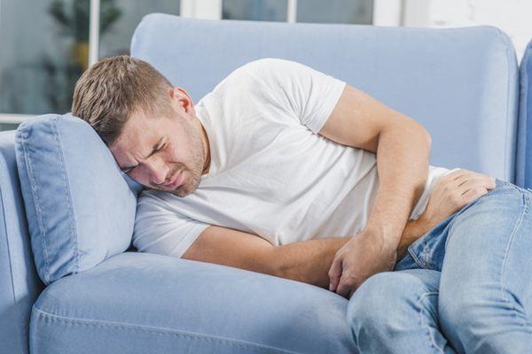 мужчина болен